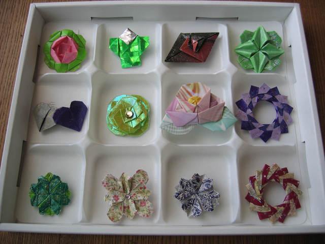 折紙のブローチ(光物)