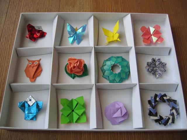 折紙のブローチ
